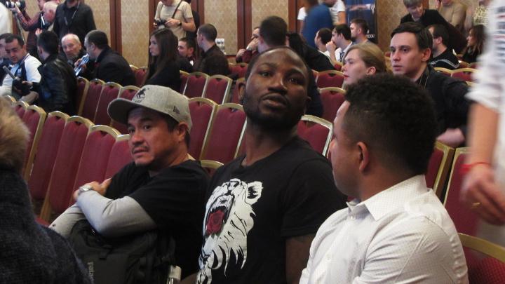 Ола-Афолаби-Мировой-бокс-в-Казани-4-ноября-2015